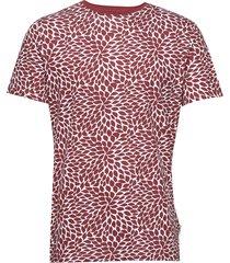 aop tee s/s t-shirts short-sleeved röd lindbergh
