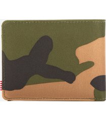 herschel supply co. men's roy bifold wallet with coin pouch - woodland camo