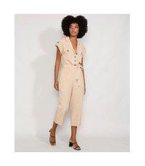 macacão feminino com bolsos e faixa para amarrar manga curta bege