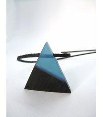 drewniany wisiorek trójkąt czarny dąb+niebieski