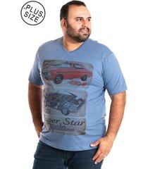 camiseta decote v plus size azul claro