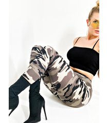 akira behind the scenes camo high waisted legging