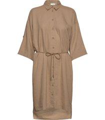brizaiw dress knälång klänning beige inwear