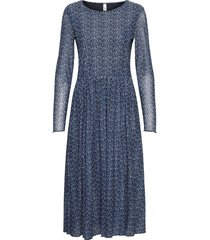 sc-alda knälång klänning blå soyaconcept