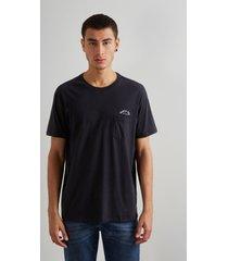 camiseta estampada gente boa bolso reserva preto - preto - masculino - dafiti