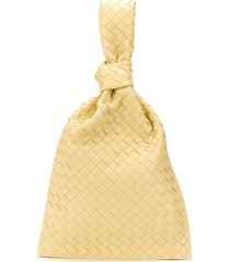 bottega veneta bv twist intrecciato clutch - yellow