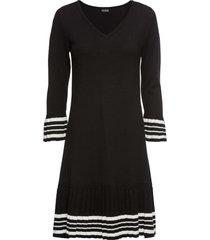 abito in maglia con gonna plissettata (nero) - bodyflirt