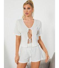 conjunto de pijama de manga corta con diseño de lazo de crochet blanco