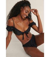mimi a.r x na-kd recycled bikinitopp med volangdetaljer - black