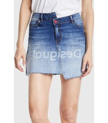 falda desigual azul - calce regular