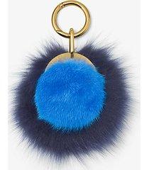 mk ciondolo in pelliccia di visone - lapislazzuli (blu) - michael kors