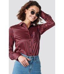emilie briting x na-kd pinstripe satin pocket shirt - red