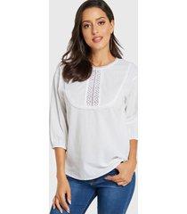 yoins blusa blanca redonda con adornos de encaje de crochet cuello