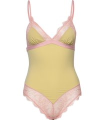 doris lace body's slip roze love stories