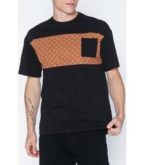 only & sons onsvp reg ss dropshoulder panel tee t-shirts & linnen svart