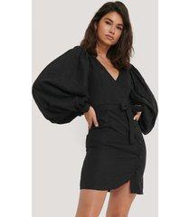 na-kd trend puff sleeve tie waist dress - black