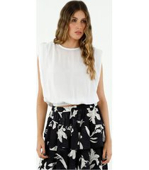 camisa de mujer, cuello redondo, manga sisa, con prenses en los hombros, color blanco