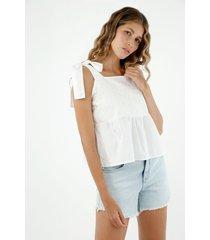 camisa de mujer, silueta amplia con tiras para anudar y bordado decorativo