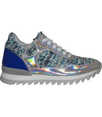 sarah summer sneakers running
