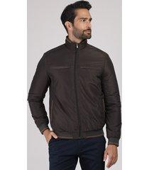 jaqueta masculina acolchoada em nylon com bolsos gola alta marrom escuro