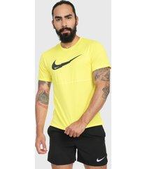 camiseta amarillo-negro nike breathe run ss