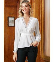 yoins blusa blanca con cuello en v de retazos de gasa de encaje