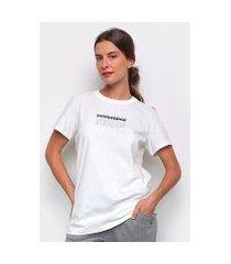 camiseta colcci sustentável feminina