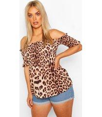 plus top met blote schouder en luipaardprint, bruin
