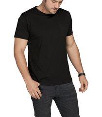 camiseta negro luck & load cuello redondo con bolsillo
