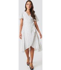 xle the label laura overlap midi dress - white