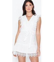parisian lace frill hem mini dress loose fit