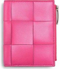 small bi-fold wallet
