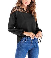 blusa de manga larga con cuello en v y apliques de encaje de malla negra