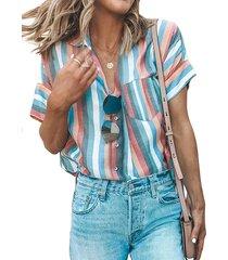 blusa de manga corta con cuello clásico y diseño de botones a rayas multicolores