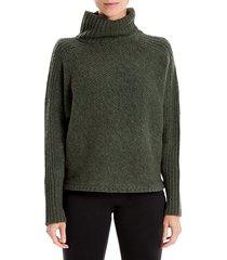 turtleneck long-sleeve sweater