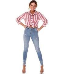 calça jeans denim zero skinny média com barra irregular feminina