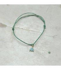 bransoletka z zawieszką-kwiatem