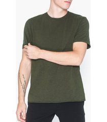neuw bass slub tee t-shirts & linnen grön
