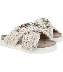 slipper woven stones
