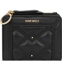 billetera clare nine west para mujer negro