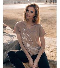 t-shirt z dekoltem w serek poppy