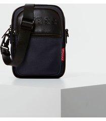mała torba typu crossbody z logo model dan