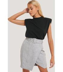 na-kd classic kjol med bälte - grey