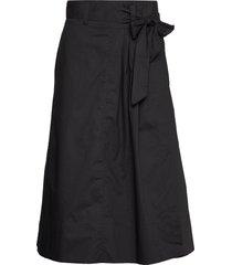 phoebe hw wrap skirt knälång kjol svart second female