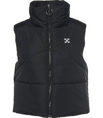sleeveless crop puffer vest