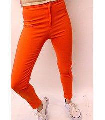 pantalón naranja ytrio sayaka