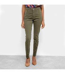 calça sarja skinny cantão barra desfiada cintura média feminina