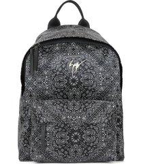 giuseppe zanotti bud bandana-print backpack - black