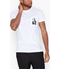 calvin klein jeans mirrored monogram pkt slim tee t-shirts & linnen vit