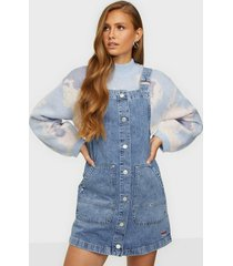 tommy jeans short dungaree snap dress mmbrg loose fit dresses